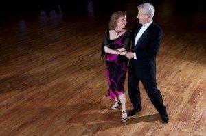 La danse de salon est un sport parfait pour les seniors !